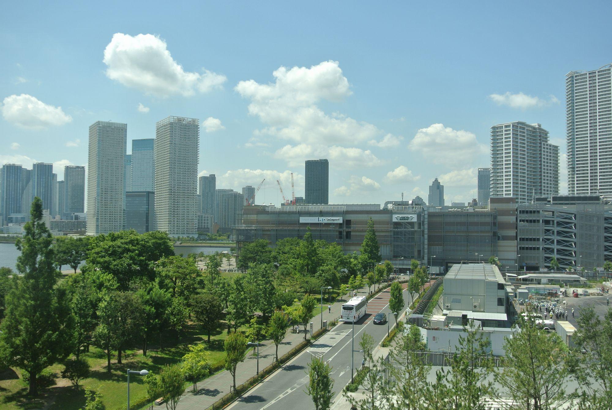 東京湾岸エリアのマンション群