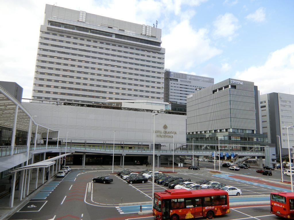 再開発で駅前の整備が進む「広島」駅