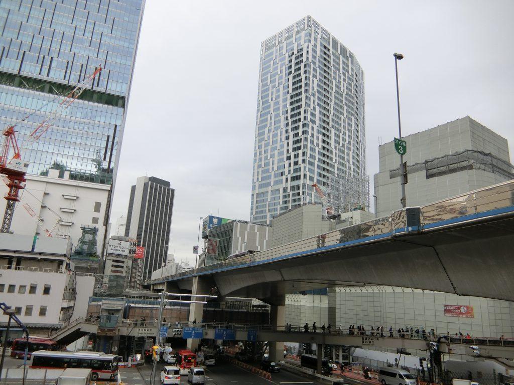 解体工事が進む渋谷駅桜ケ丘地区