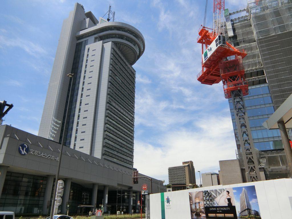 「パークコート文京小石川 ザ タワー」が建つ再開発街区「文京ガーデン」の建設現場