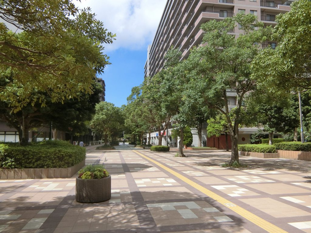 「検見川浜」駅の南側駅前