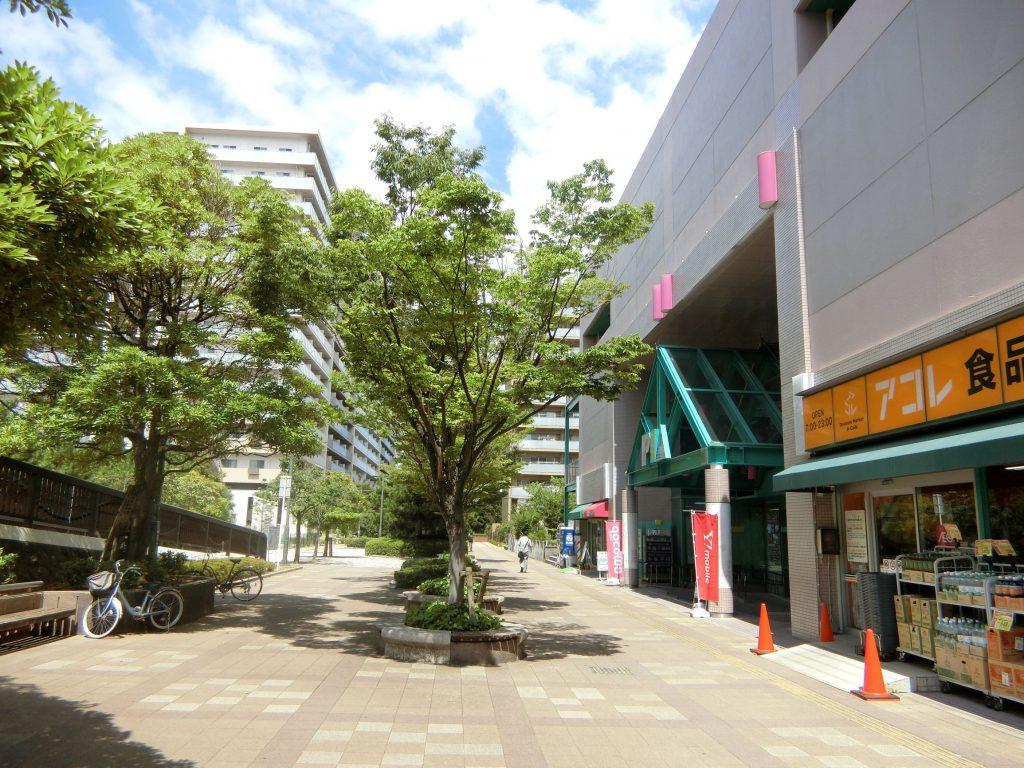 「検見川浜」駅の北口側の街並み