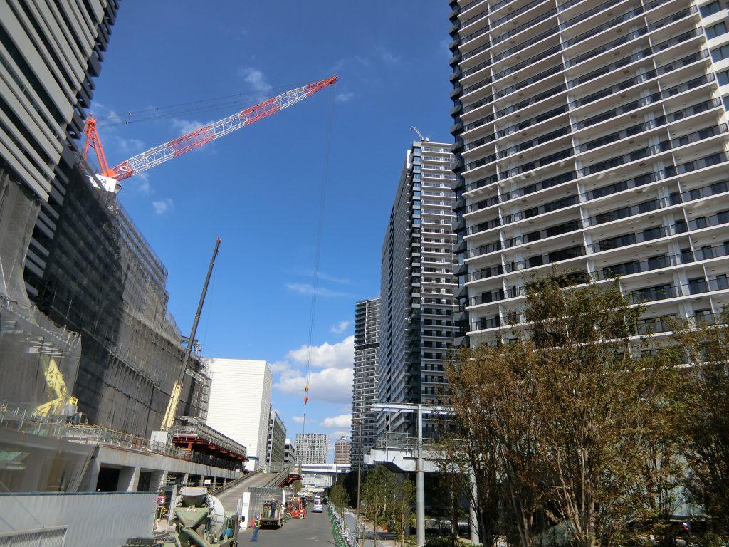 建設中の「シティータワーズ東京ベイ」と再開発エリア