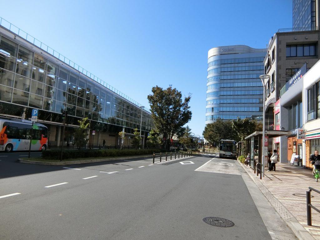 「武蔵境」駅北口駅前