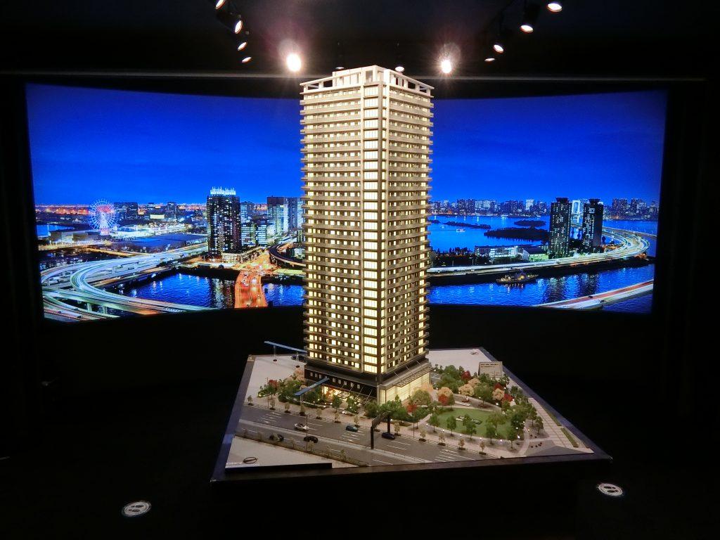 「Brillia Tower 有明 MID CROSS」の完成予想模型