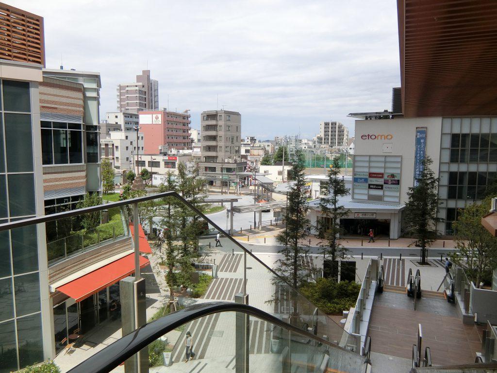 「パークシティ武蔵小山 ザ モール 」から見た武蔵小山駅前