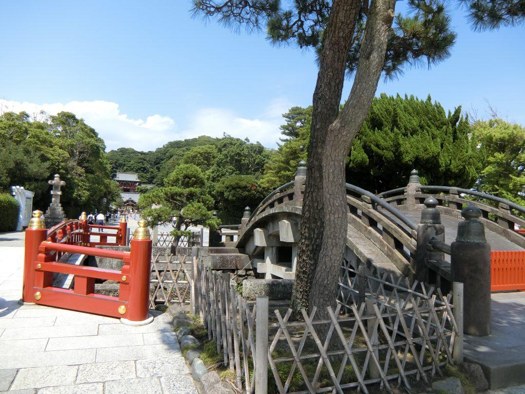 「鶴岡八幡宮」の境内
