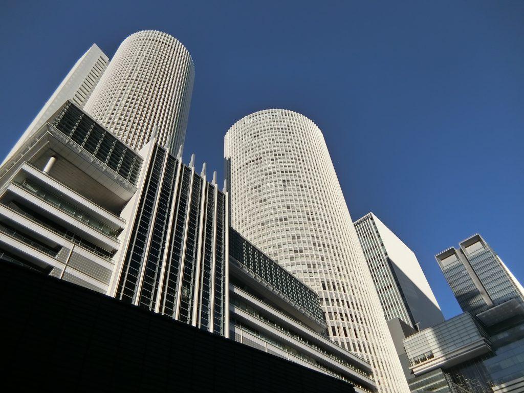 再開発で高層ビル群が集積する「名古屋」駅前 2019年12月撮影