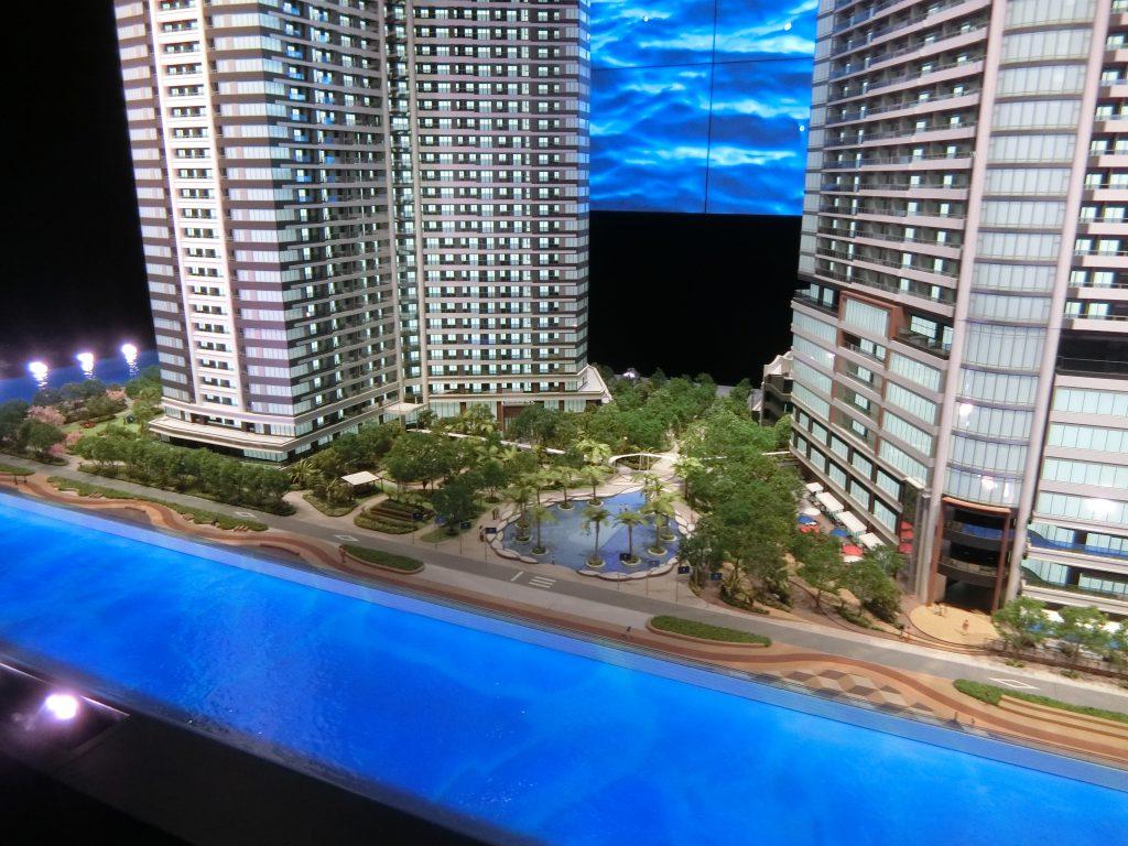「パークタワー勝どきミッド/サウス」の完成予想模型 中央がセントラルラグーン