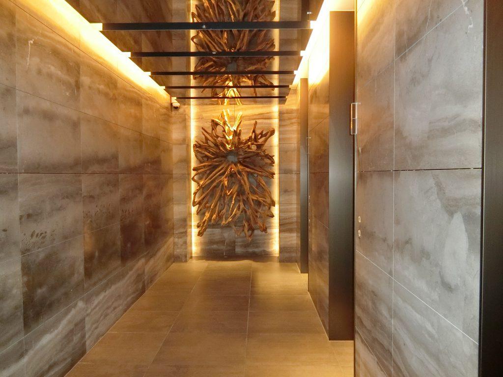 1階のエレベーターホール