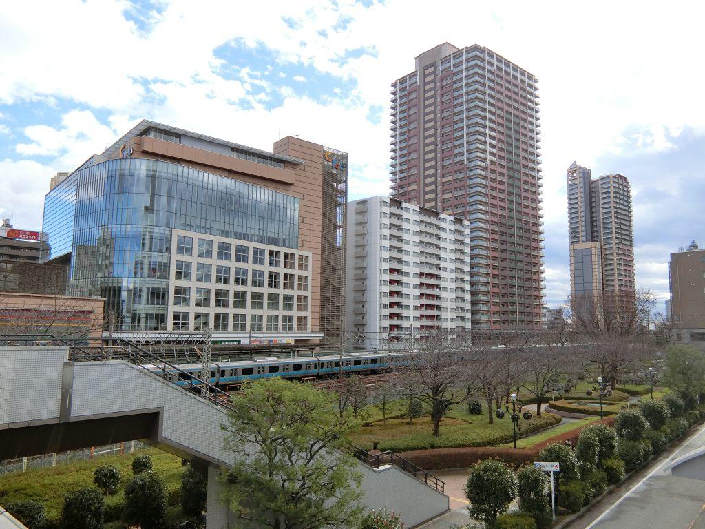 「川口」駅前のマンション群