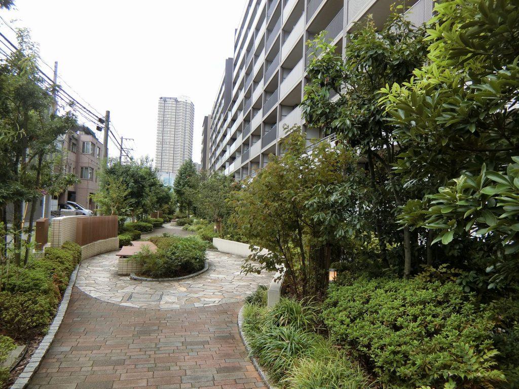 「ザ・パークハウス 横浜新子安ガーデン」の外観