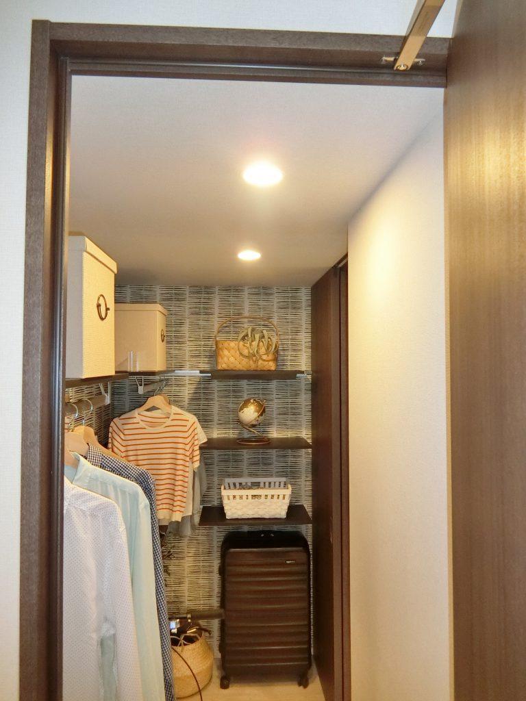 「ザ・パークハウス 横浜新子安フロント」のモデルルームのフリークローゼット