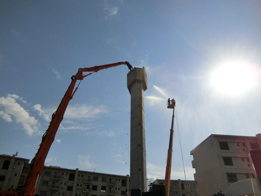 石神井公園団地のシンボルの一つ給水塔の解体模