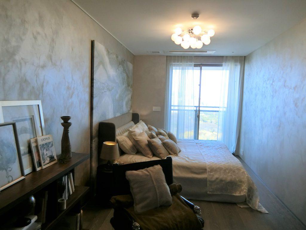 「パークコート渋谷 ザ タワー」の36階住戸の主寝室