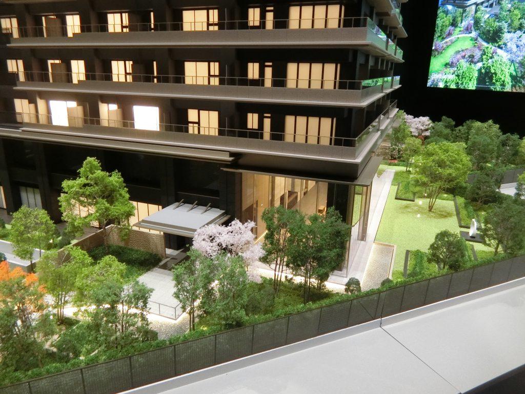 「NAGOYA the TOWER」の完成予想模型のエントランス周辺