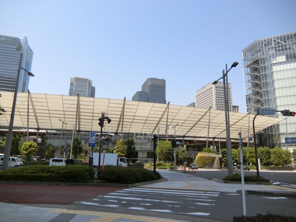 東京駅の八重洲口側