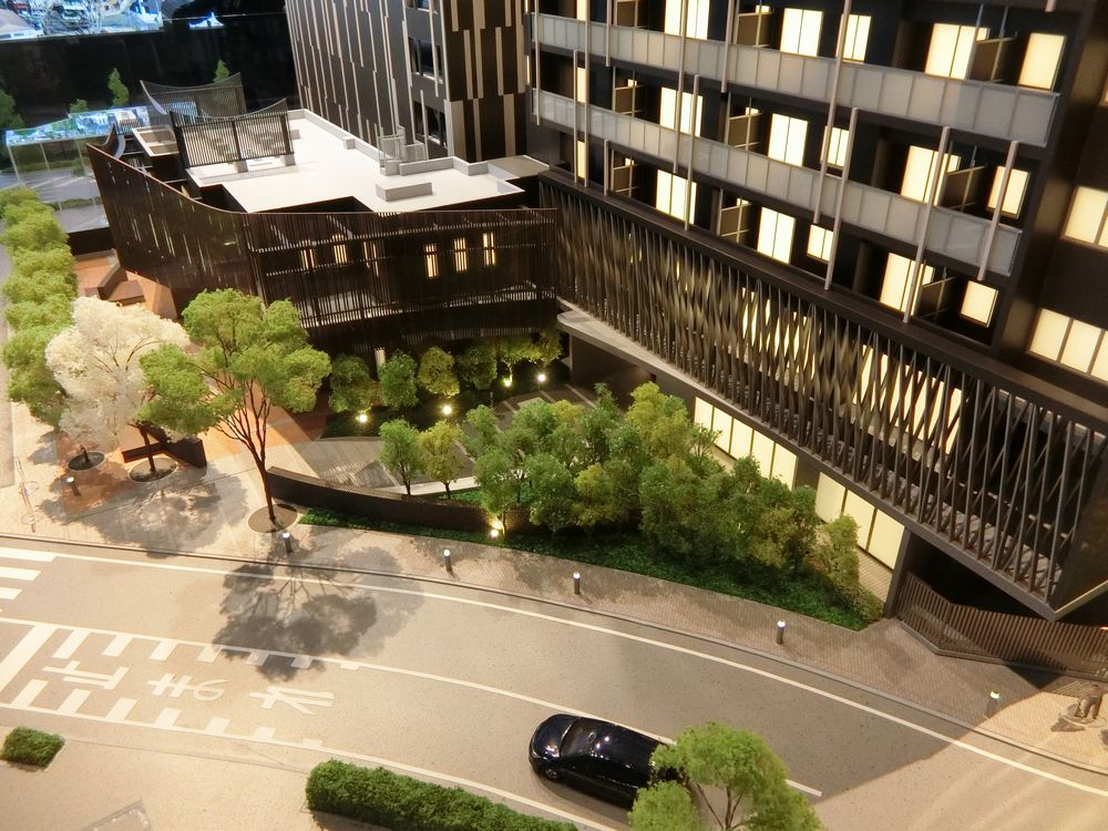 ブリリアタワー前橋の完成予想模型のメインエントランス