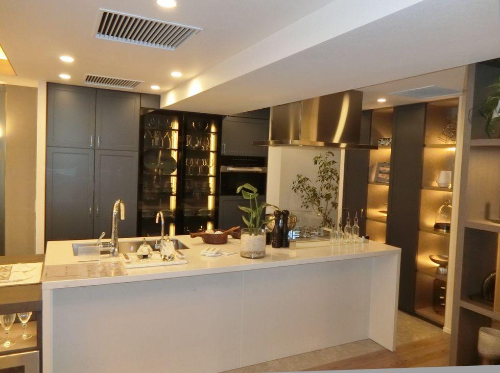 ザ・パークハウス 高輪松ヶ丘のモデルルームのキッチン