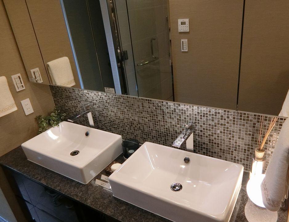シティハウス二子玉川ザ・グランドのモデルルームの洗面室