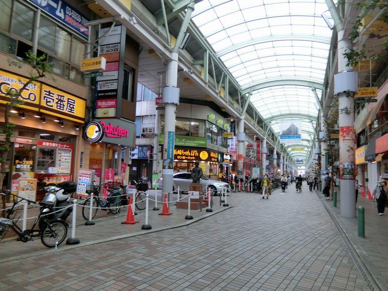 「赤羽」駅東口のすずらん通り商店街